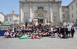 gruppo-giovani-maestà